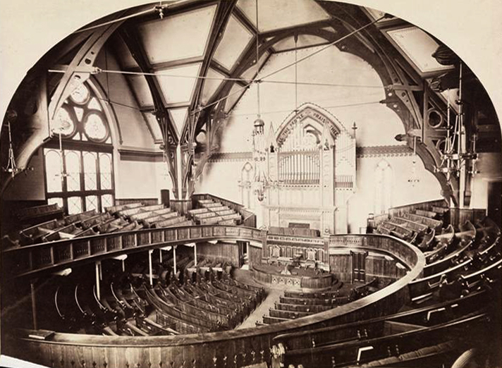 Austin Organ, Op. 567 (1916) in the Brooklyn Tabernacle - Brooklyn, N.Y. (photo: MCNY Collection)