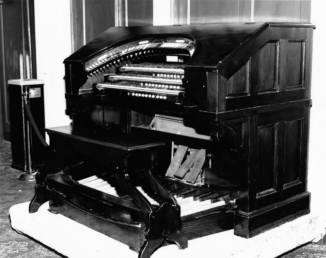 Robert Hope-Jones organ (1910) in Handson Place Baptist Church - Brooklyn, N.Y. (American Organ Archives)