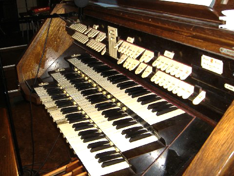Console of Kilgen Organ, Op. 5841 (1937) in St. Michael's (German) Catholic Church - Brooklyn, N.Y. (photo: Robert Holmes)