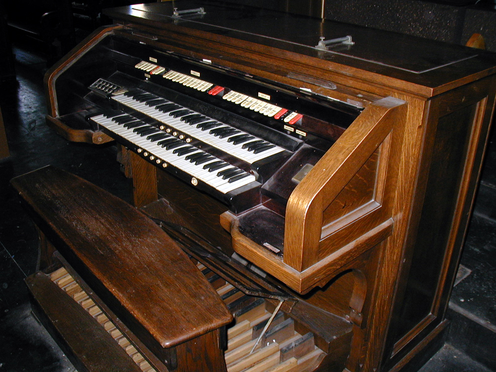 Reuben Midmer & Sons organ (1910) in St. Lucy - St. Patrick Catholic Church - Brooklyn, NY (photo: David Schmauch)