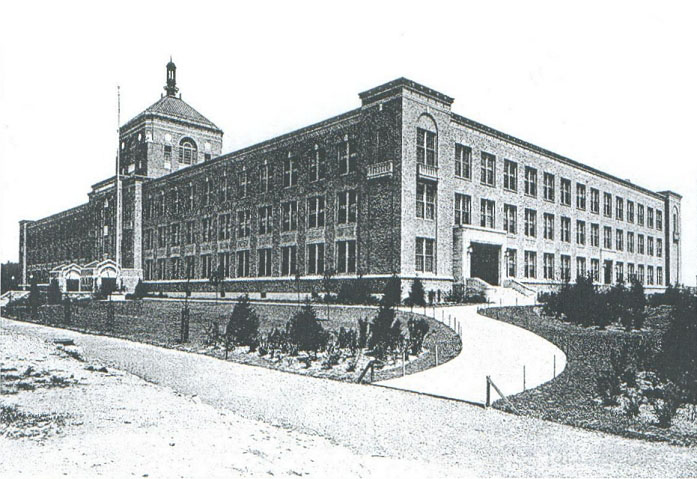 DeWitt Clinton High School - Bronx, New York (Photo: Estey Organ Company)