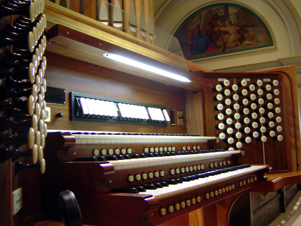 Peragallo Organ Console (2009) at St. Barnabas Catholic Church - Bronx, N.Y. (photo: Thomas M. Fierro)