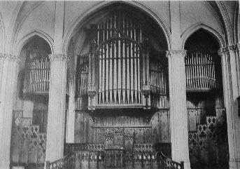 Hutchings-Votey Organ, Op. 1536 (1908) in Broadway Tabernacle - New York City (photo: Hutchings-Votey catalogue, courtesy Jonathan Bowen)