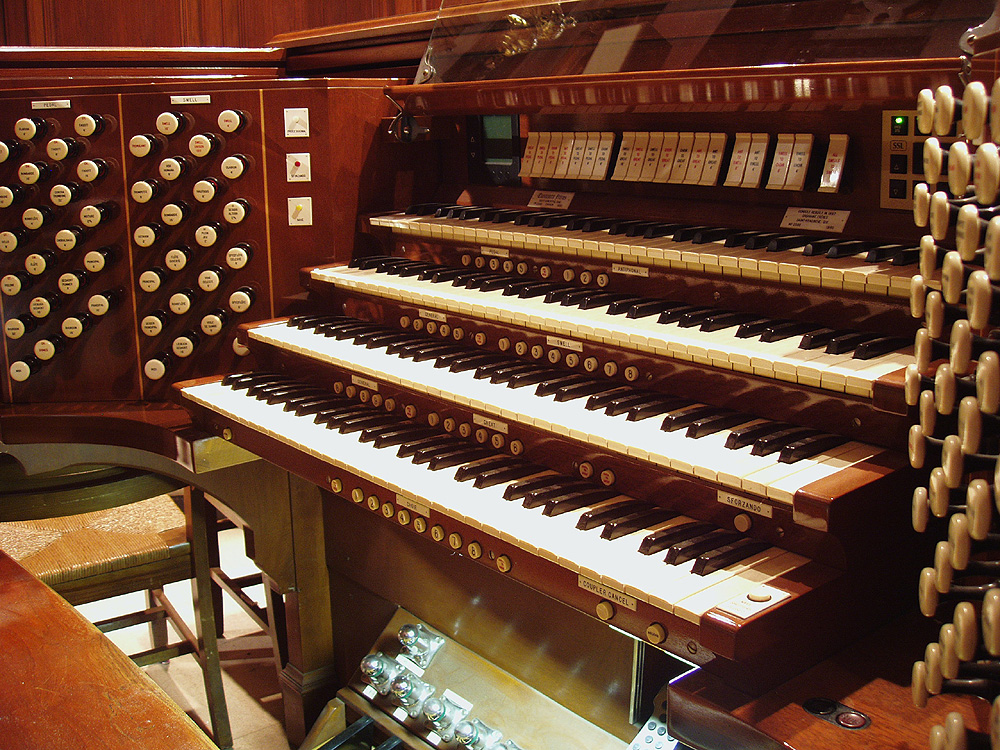 Casavant Frères organ, Op. 2588 (1960) at Christ Church, United Methodist - New York City (photo: Steven E. Lawson)