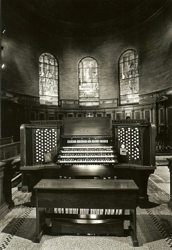 Robert Turner Console of Aeolian-Skinner Organ, Op. 985 (1938, 1962) - St. Paul's Chapel - Columbia University - New York City (photo: Eileen Barroso)