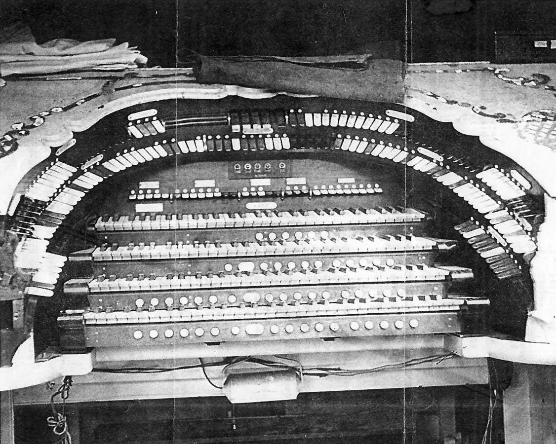 Console of Wurlitzer Organ, Op. 1538 (1926) originally in the Hippodrome Theatre - New York City