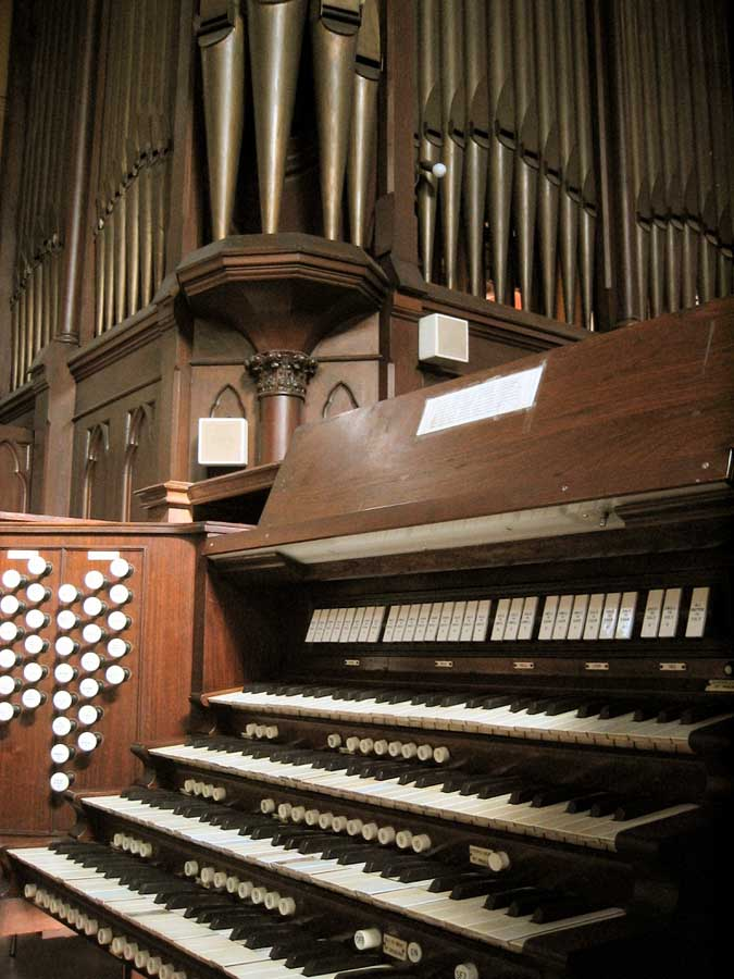 M. P. Möller Organ, Op. 6570 (1937) at Holy Name of Jesus Catholic Church - New York City (Photo: Steven E. Lawson)