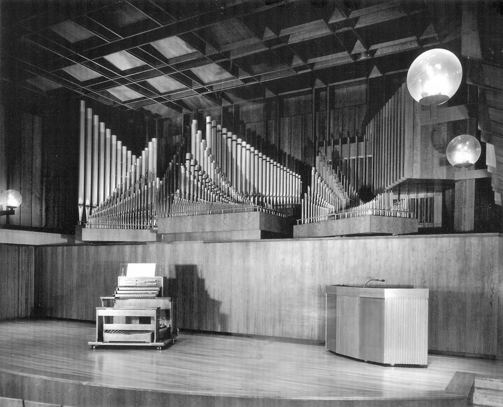Holtkamp Organ (1969) in Paul Hall, Juilliard School - New York City (photo: Holtkamp Organ Company)