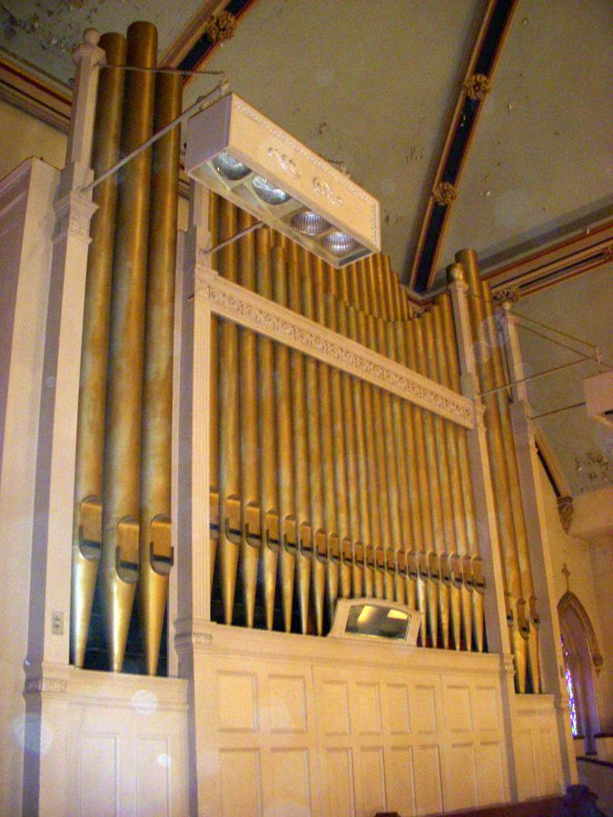 Austin Organ Co. organ, Op. 1781 (1931) in Our Lady of Lourdes R.C. Church - New York City (photo: Dave Schmauch)