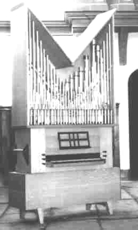 Flentrop organ (1963) for New York Pro Musica Antiqua - New York City (photo: Flentrop Orgelbouw)