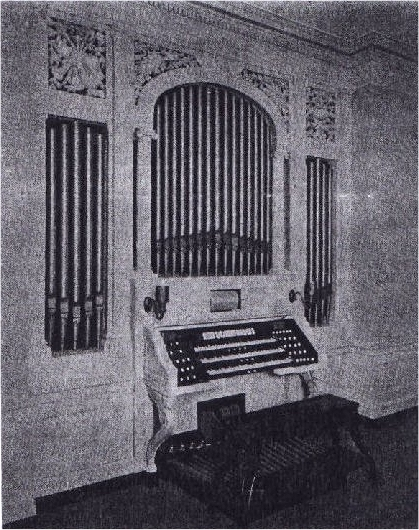 M.P. Möller organ, Op. 1054 (1912) in David H. Morris Residence - New York City (photo: The Diapason, Nov. 1912)
