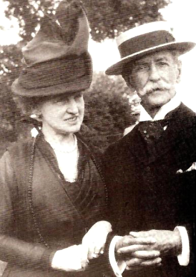 Emily Thorn Vanderbilt Sloane with William Douglas Sloane (1914) (photo: Robert Bruce Collection)