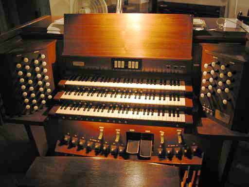 McManis Organ, Op. 63 (1962) in Church of the Resurrection - New York City (photo: Organ Clearing House)