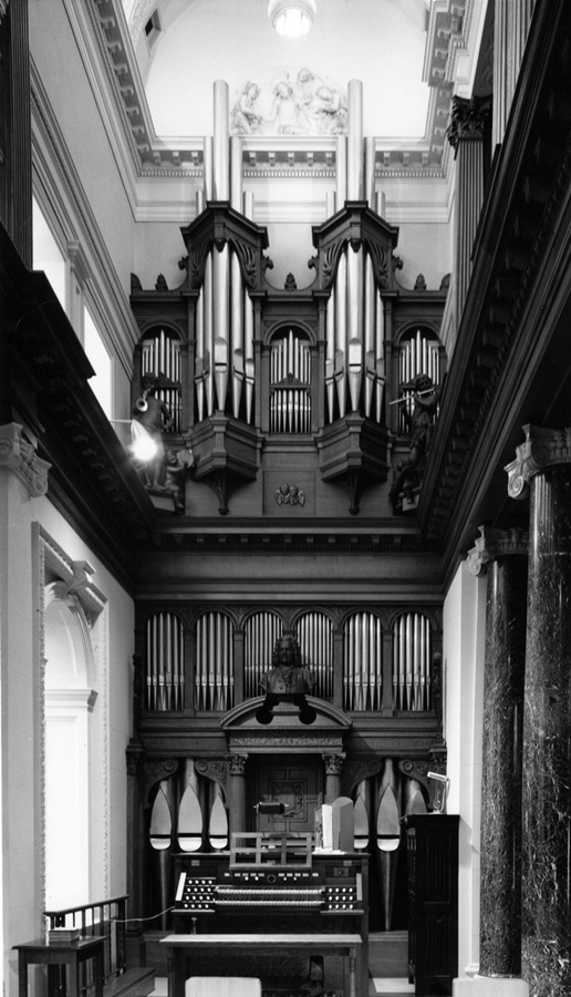 Methuen Organ Company Chapel Organ (c.1916) in Library of Pine Lodge Estate - Methuen, Mass.