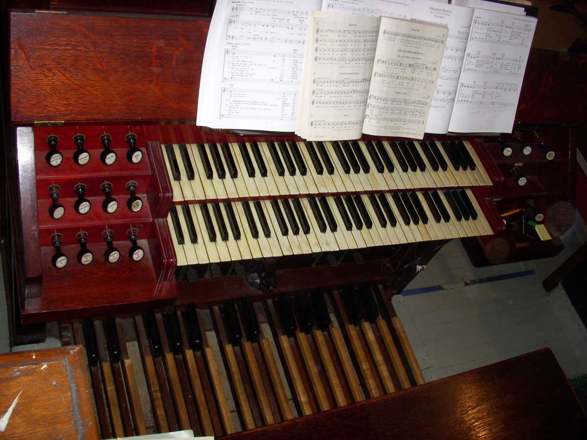 George S. Hutchings organ (1893, Op. 308) in St. Catherina of Genoa Catholic Church - New York City (photo: Dave Schmauch)