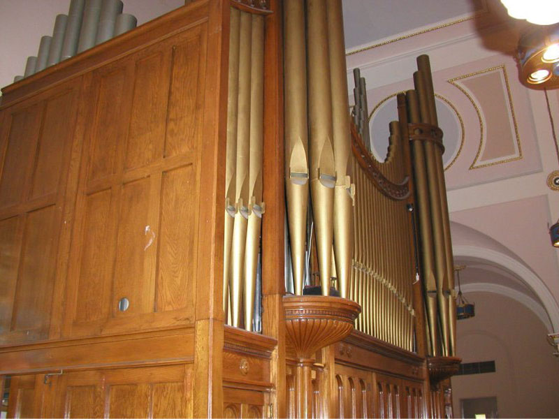 Reuben Midmer & Son Organ Case (1915) in the Roman Catholic Church of St. Francis of Assisi - New York City (photo: Steven E. Lawson)