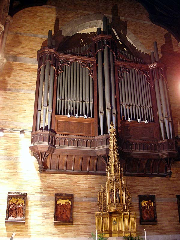 Casavant Frères Organ, Op. 2892 (1966) at the Episcopal Church of St. Ignatius of Antioch - New York City (photo: Steven E. Lawson)