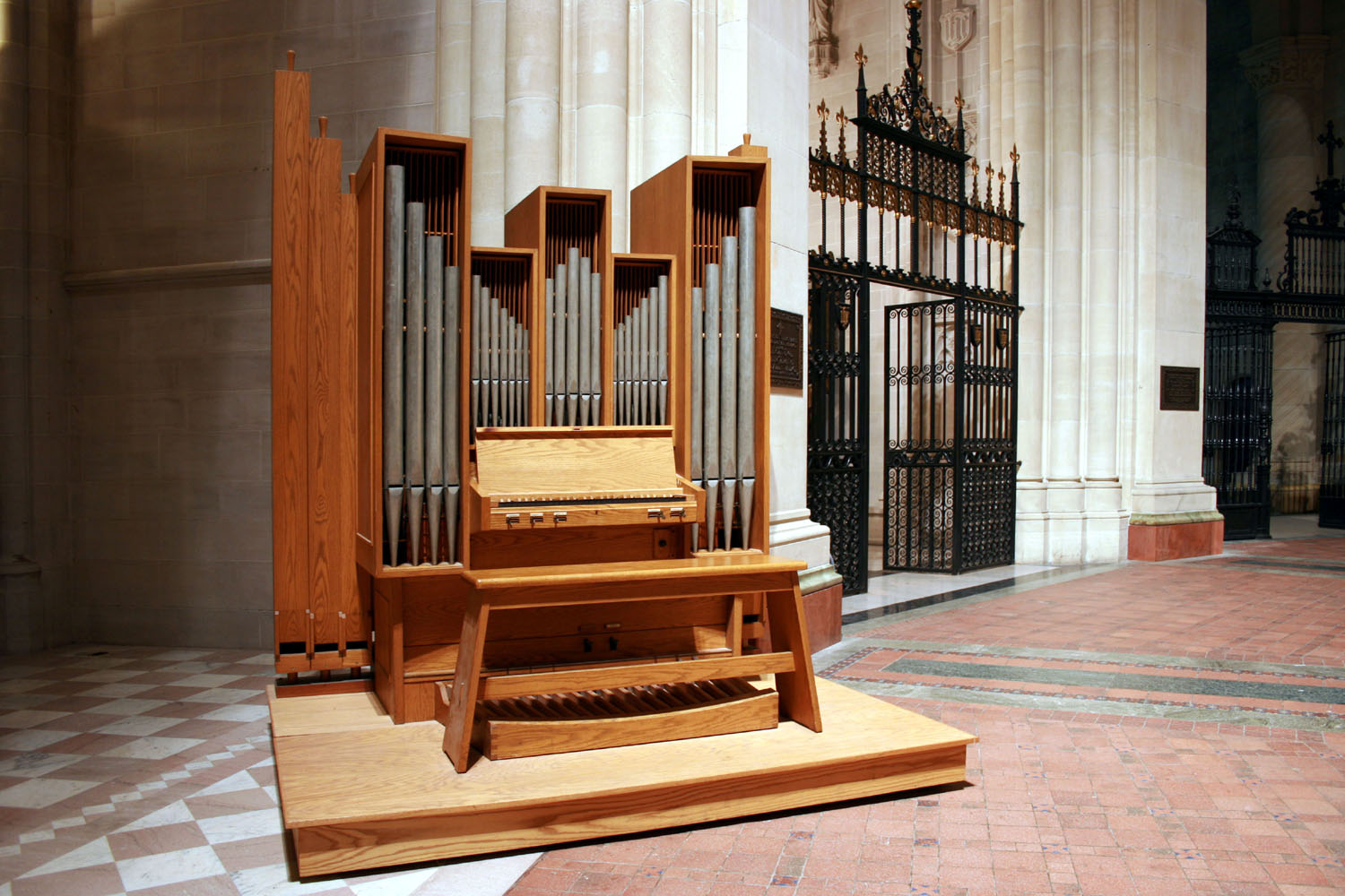 Casavant Frères Organ, Op. 3130 (1971) in the Cathedral of St. John the Divine - New York City (photo: Steven E. Lawson)
