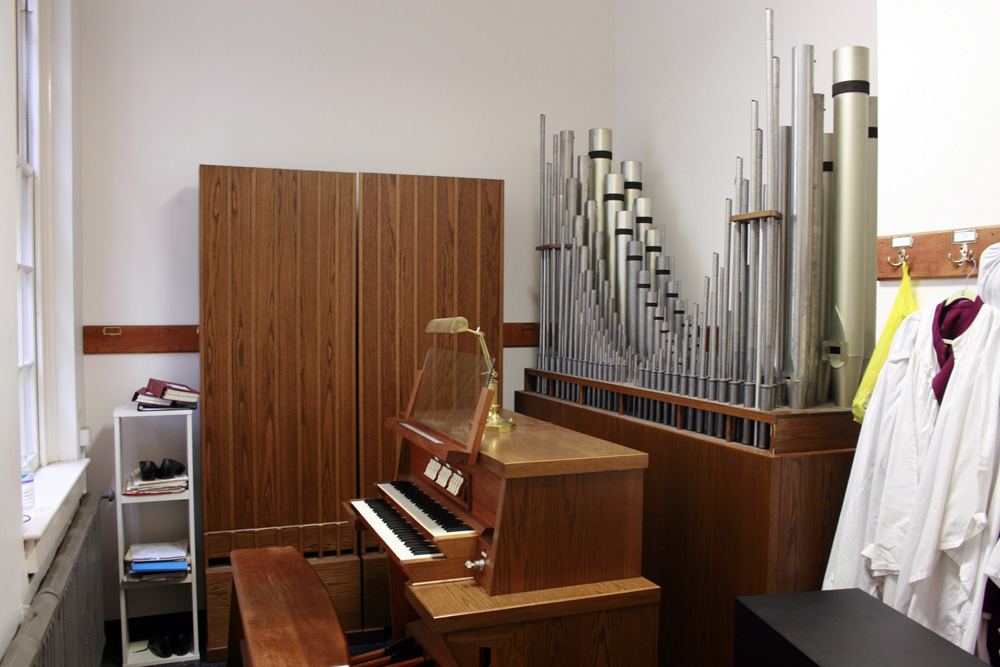 Schlicker Organ, Op. 1283 (1981) in Holy Trinity Episcopal Church - New York City (photo: © 2005, John Rust)