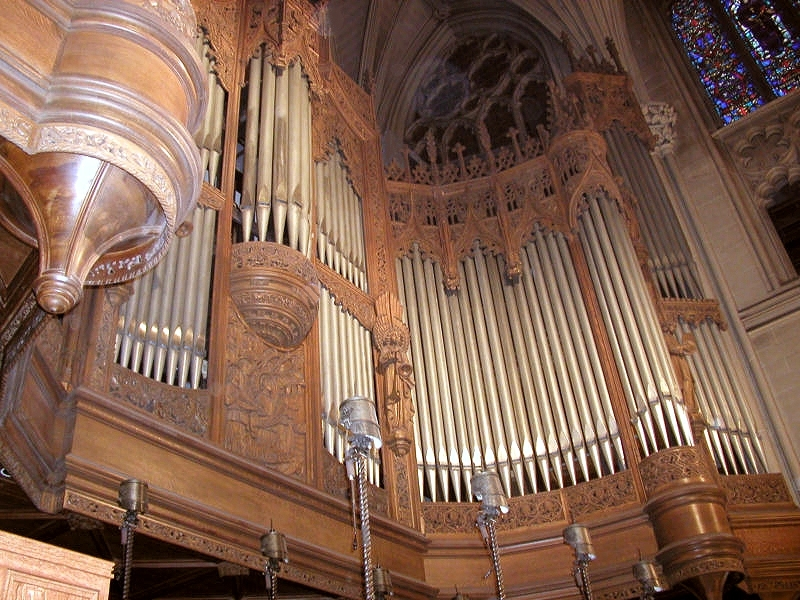 Grand Gallery Organ Case - Kilgen, Op. 3920 (1929) - St. Patrick's Cathedral - New York City (photo: Steven E. Lawson)