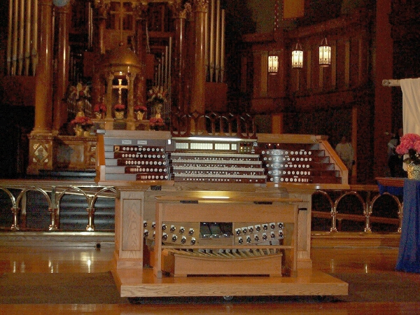 Peragallo Organ Console - Church of St. Paul the Apostle - New York City (photo: Steven E. Lawson)