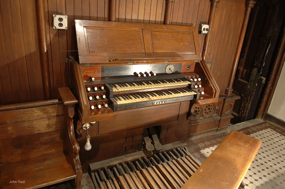 Roosevelt Organ, Op. 515 (1892)  - St. Peter's Episcopal Church - New York City (photo: John Rust)