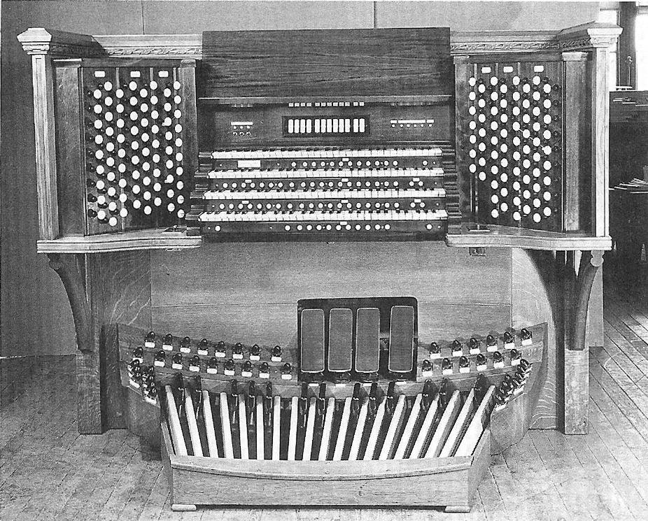 Console of Aeolian-Skinner Organ, Op. 205-A (1956) - St. Thomas Church Fifth Avenue - New York City (Organ Historical Society)