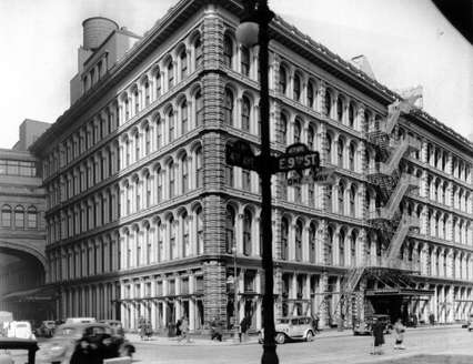 John Wanamaker Store - New York City (1936 photo by Berenice Abbott, courtesy NYC-Architecture.com)