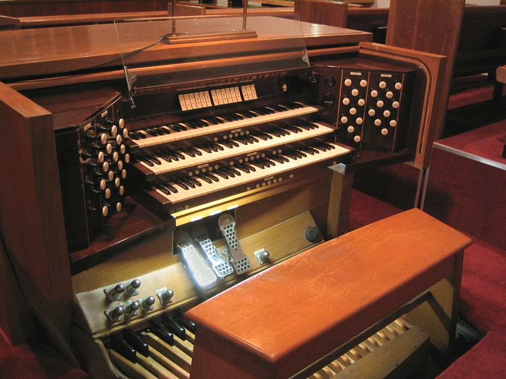 Casavant Frères Organ, Op. 2523 (1959) at Church - Flushing (Queens), N.Y. (photo: Steven E. Lawson)