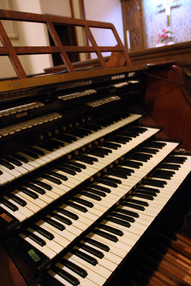 Pipe Organ Specialties organ (1986) in Immanuel Union Church - Westerleigh, Staten Island, N.Y. (photo: Jan Somma-Hammel)