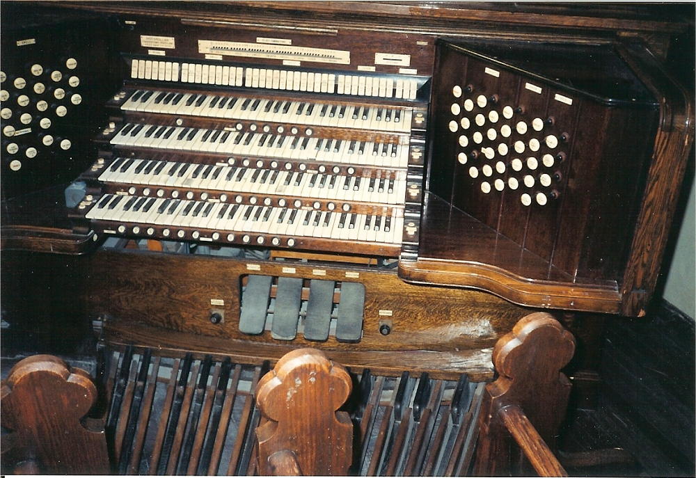 Möller Organ, Op. 4414 (1926) at St. Peter's Catholic Church - Staten Island, NY (photo: Diego La Jolla)