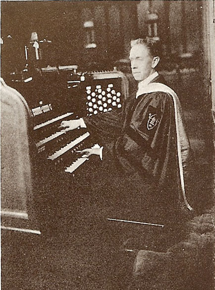 Dr. William C. Carl at the console of Skinner Organ, Op. 293 (1920) at the First Presbyterian Church - New York City (Organ Historical Society)
